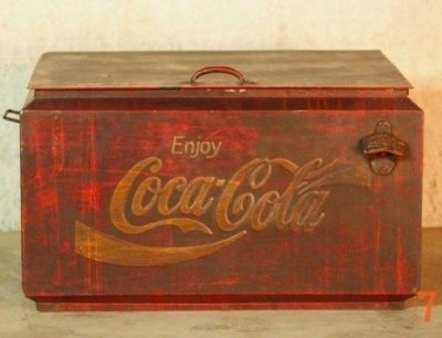Ancienne glacière Coca-Cola