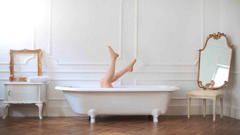 Comment créer une salle de bain rétro ?