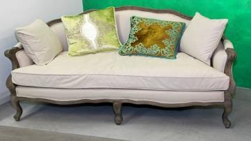 Comment donner une seconde vie aux meubles vintages de votre grenier ?